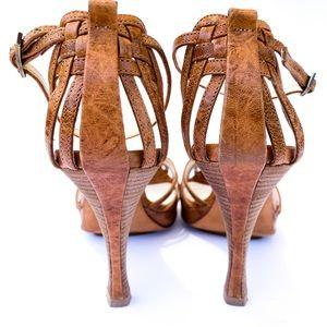 Fendi Strap Leather Heeled Sandal in Luggage 38